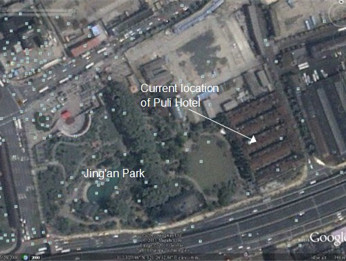 In 2000, Jing'an Park was bordered to the east by an empty lot on Najing W Rd, and five rows of red-tile-roofed lane houses on the corner of Changde and Yan'an Roads.